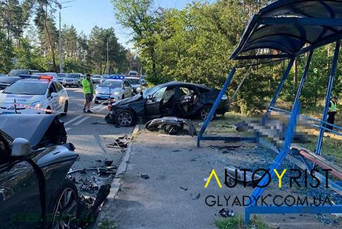 ДТП с пострадавшими под Киевом: две BMW, три трупа, шесть травмированных